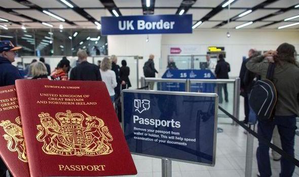 Botrányosan sok pénzt kér a brit kormány az állampolgárság megszerzéséért 1