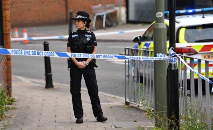 20-as éveiben járó nőt lőttek le a nyílt utcán Londonban 1