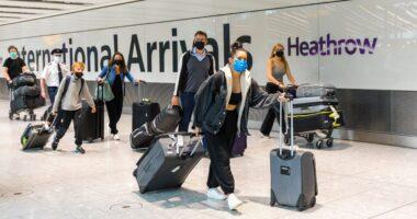 HOLNAPTÓL enyhülnek a külföldi utazásoknál a Covid tesztekre vonatkozó szabályok Nagy-Britanniában 3