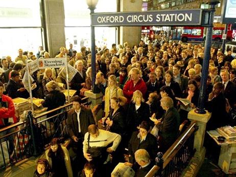 17437_Overcrowding-Oxford-Circus