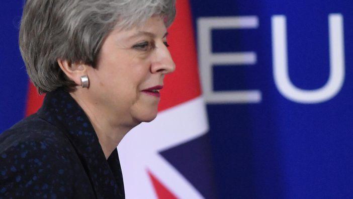 Saját miniszterei tervezik Theresa May eltávolítását a kormány éléről a Brexit miatt 3