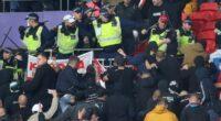 Balhé az angol-magyar meccsen: összeverekedtek a magyar szurkolók az angol rendőrökkel 2
