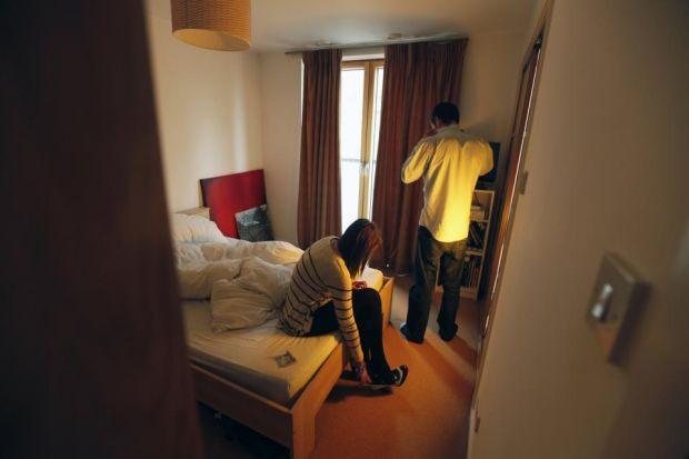 Egyre több főbérlő próbál ingyen szobát kiadni szexuális szolgáltatásért cserébe Angliában 1