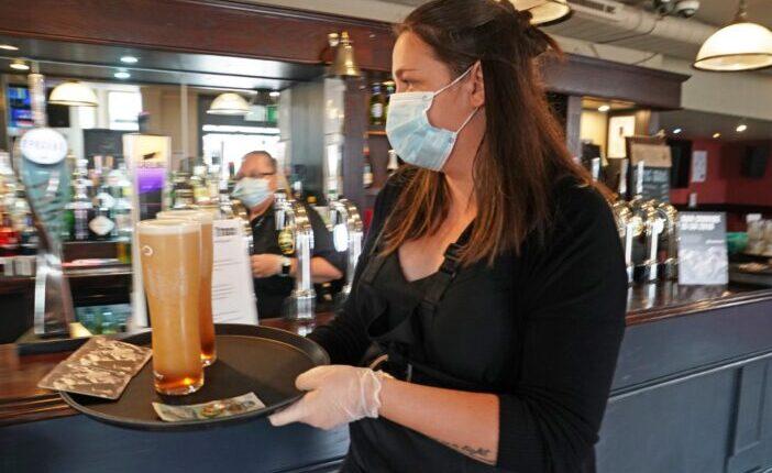 Elképesztő mennyiség, több millió korsó sör megy kárba a lockdown miatt Angliában 1