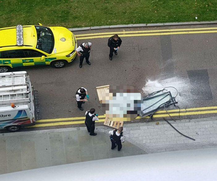 Szuperritka haláleset Londonban: 27 emelet magasból lezuhanó ablak csapott agyon egy férfit az utcán 2