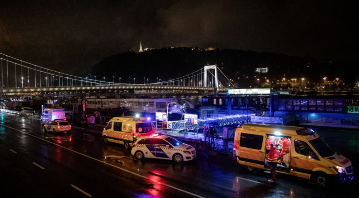Hatalmas hajóbaleset Budapesten a Parlament mellett: eddig 7 halott 2