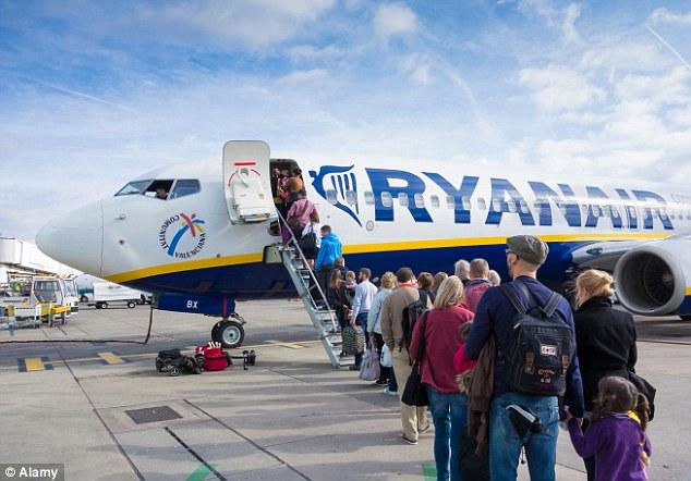 Szuperolcsó repjegyek nyárra a Ryanairnél Angliába, Budapestre és csomó nyaralóhelyre 2
