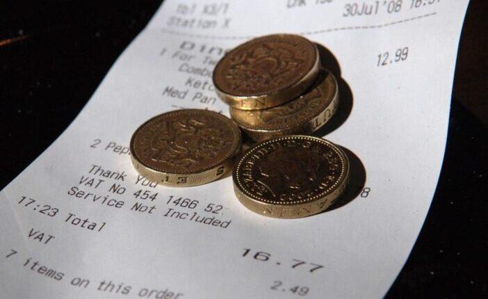 Egy új törvényjavaslat kényszerítheti a cégeket, hogy az összes borravalót megkaphassák az alkalmazottak Angliában 1