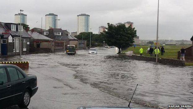 _84122010_floodsgolfroad