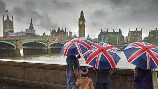 Miért és mennyien költöznek el Nagy-Britanniából: egy friss felmérés adatai 2