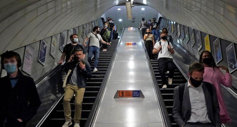 London metró közlekedés baleset