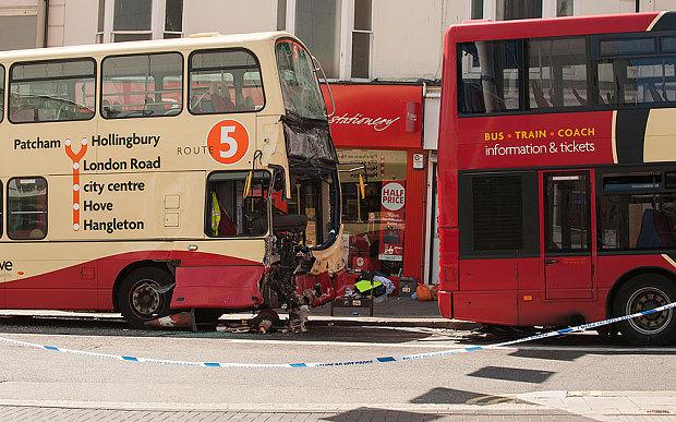 Brighton_bus_crash_3365963b