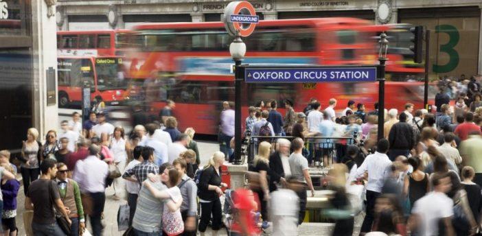 Változnak a munkánkkal, fizetésünkkel kapcsolatos jogszabályok Nagy-Britanniában 2
