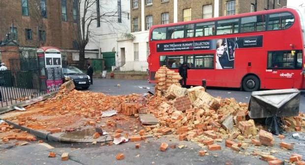 Clapham-bus-crash-2---credi