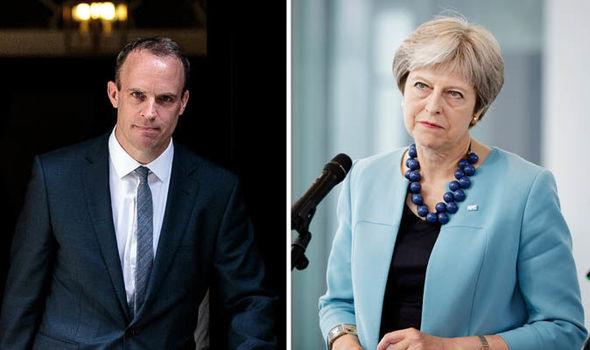 Teljes botrány a Brexit körül: lemondott az új Brexit miniszter, sőt bevallották, hogy a kilépés megállítható 2