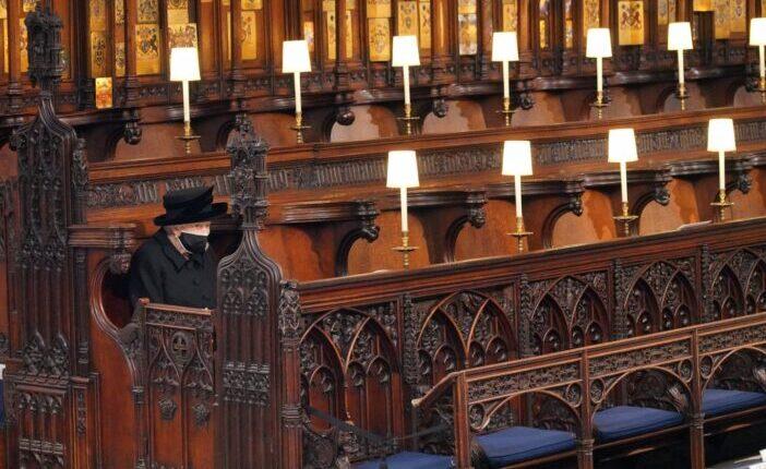 A királynő egyedül ülte végig férje búcsúztatását: Fülöp herceg temetése képekben 1