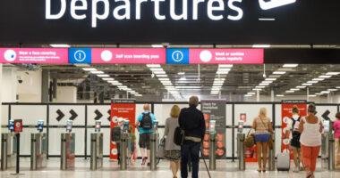 Mikor változnak megint az utazással kapcsolatos szabályok Angliában, és mi várható? 3