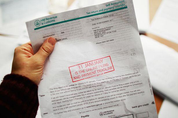 Már csak pár nap van az adóbevallás leadására Nagy-Britanniában: aki elkésik £100-ra vagy jóval többre is büntethetik 1