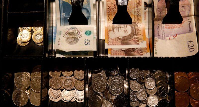 Szuper hír: még annál is többel emelkedik a minimálbér Nagy-Britanniában, mint amennyit előzőleg mondtak 1