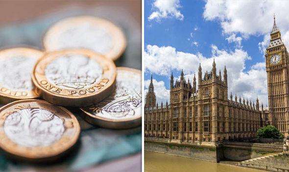Kiakasztó: Több, mint £2000-os fizetésemelést kapnak a brit parlamenti képviselők április 1-től 1
