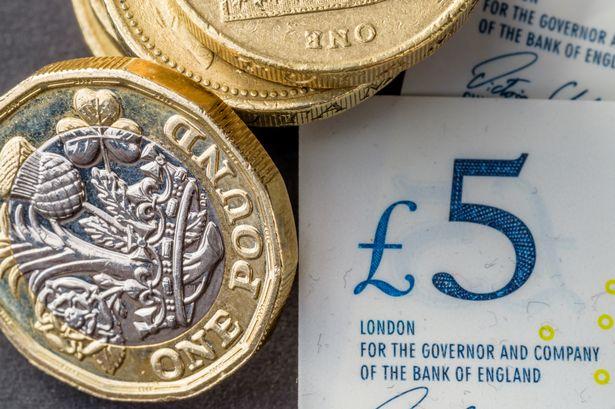 Több, mint 3%-ot emelkedtek a fizetések Nagy-Britanniában (friss adatok) 2