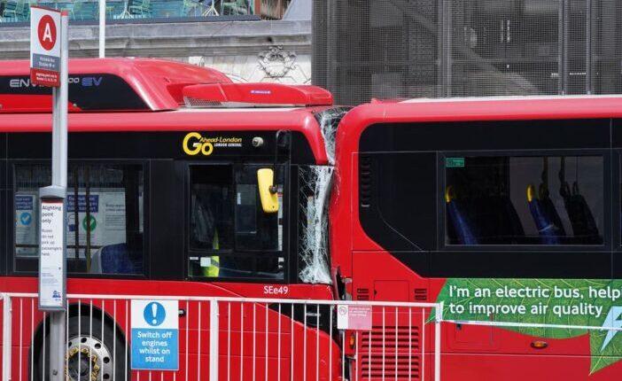Súlyos buszbaleset London belvárosában: 1 halott és legalább 3 sérült 1