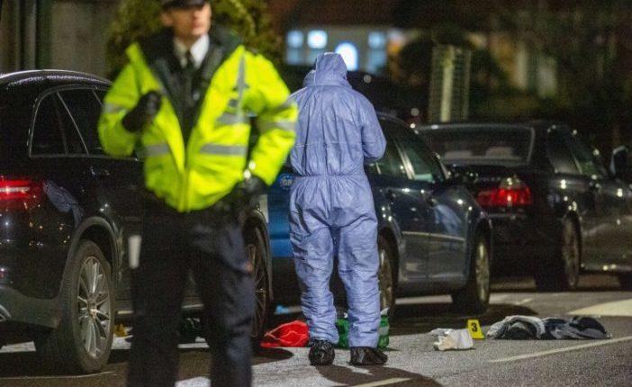 Alig két óra leforgása alatt 4 embert késeltek meg a nyílt utcán Londonban 14