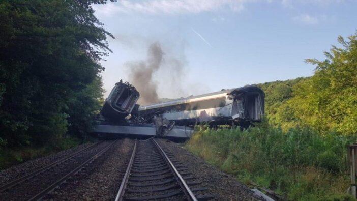 Súlyos vonatbaleset történt Nagy-Britannia északi részén 1