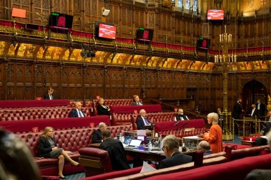 Hatalmasat bukott Boris Johnson nemzetközi törvényt sértő terve a parlamentben 1