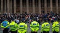 Több, mint 30 embert tartóztattak le a rendőrök a lockdown ellen szervezett tüntetéseken Angliában 2