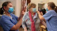 """""""Több tucat"""" idősek otthonában élő ember halt meg koronavírusban, hiába kapták meg az első oltást 2"""