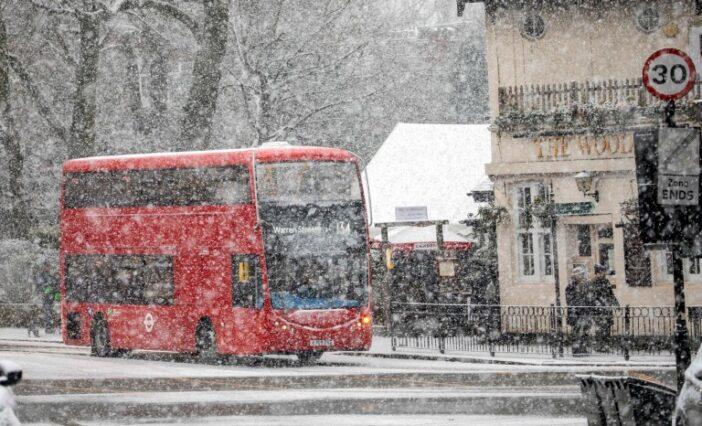 Szakad a hó Londonban és Nagy-Britannia több másik területén is 1