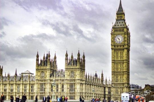 Nagy-Britanniában és az EU többi részén is eltörölik az óraátállítást 2