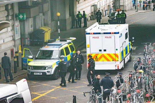 Új fejlemények a Londonban talált 3 levélbomba kapcsán: az IRA szervezetére gyanakszanak 1