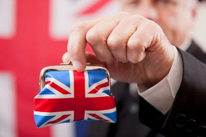 Két fontos új változás Nagy-Britanniában, ami mindenkit érint, akinek van bankszámlája 2