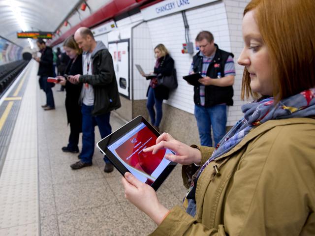 Wi-Fi-technical-testing-on-London-Underground-4-3-web