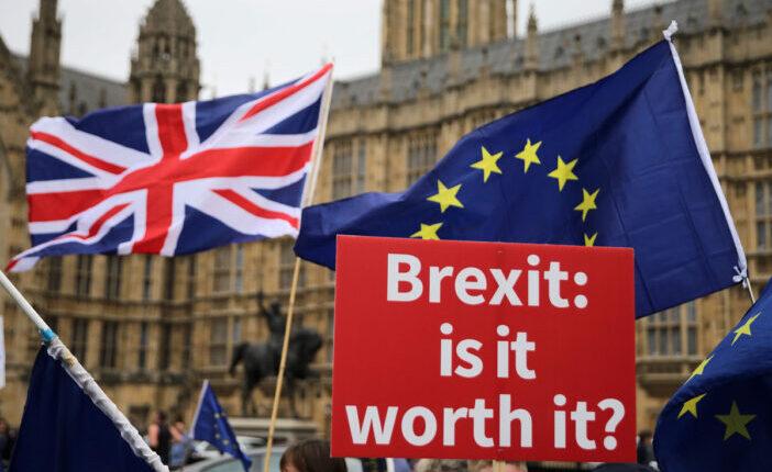 A Brit állampolgárság vagy a letelepedett státusz Angliában tartja a kinti magyarokat? 1