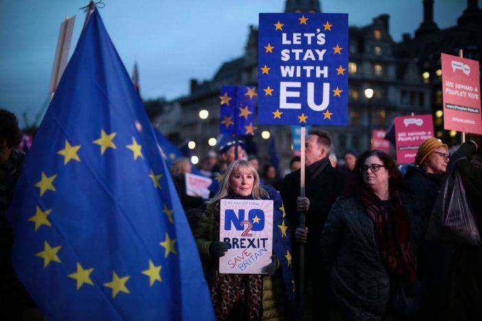 Minden eddiginél többen támogatják, hogy ne lépjen ki Nagy-Britannia, már 56%- van ellene 1