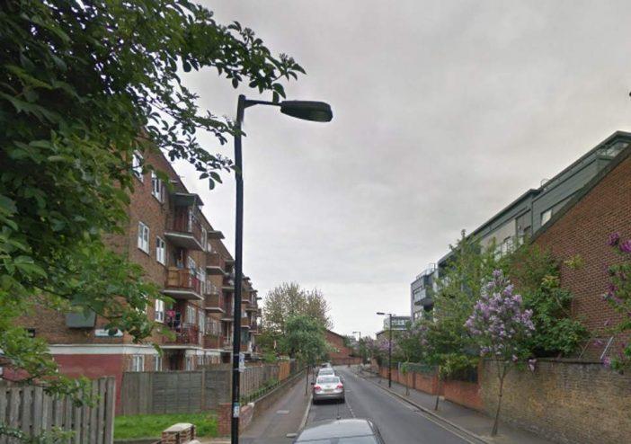 17 éves lányt szurkáltak halálra Dél-Londonban 2
