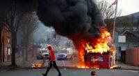 Durvul a helyzet a Brexit miatt: Már autókat és buszokat is gyújtogatnak Észak-Írországban 2