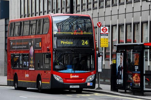 Új törvény a buszokon Nagy-Britanniában, ami sok vitához vezethet az utasok közt 2