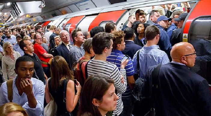 commuters-london_3369331b