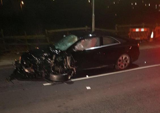 Három fiatalt halálra gázolt egy Audi Londonban, amikor a buszmegállóban levők közé csapódott 2