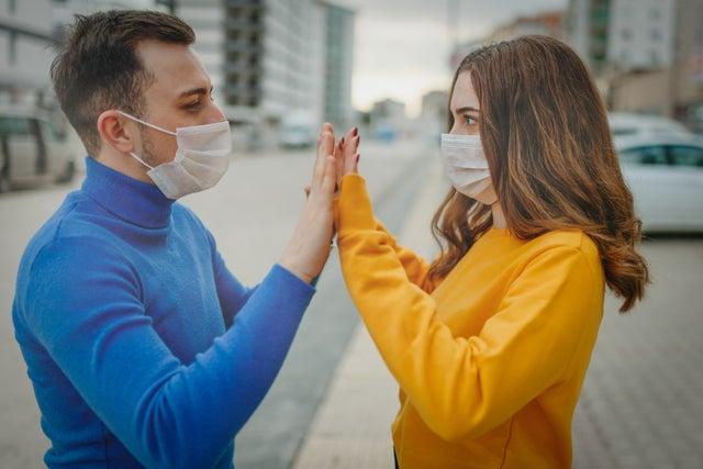 koronavírus párkapcsolat pasizás csajozás