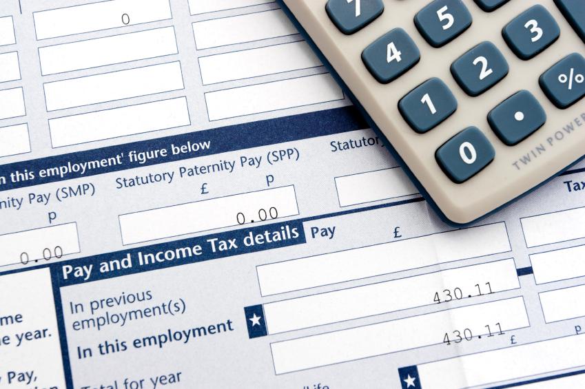 Több száz fontot is visszakaphatunk a munkánk után Nagy-Britanniában: az adó visszaigénylés menete 2