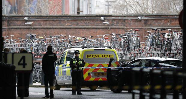 Bombát találtak London 2 ismert repülőterén és a Waterloo vasútállomáson is 2