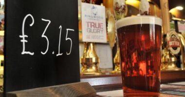 Elég jelentősen emelkedni fog egy korsó sör ára Nagy-Britanniában 7