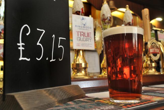 Elég jelentősen emelkedni fog egy korsó sör ára Nagy-Britanniában 18