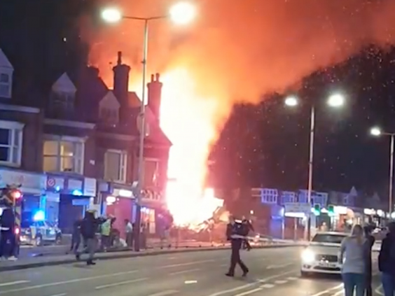 Felrobbant egy épület Angliában, Leicesterben: eddig 4 halálos áldozat van 1