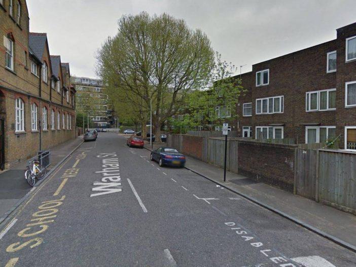 A nyílt utcán lőttek le egy 17 éves fiút Londonban 1